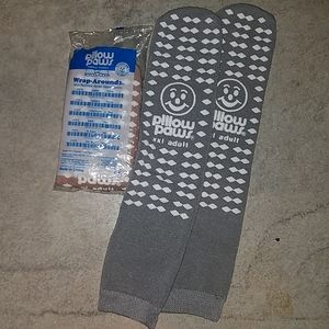 New Gripper socks Pillow Paws